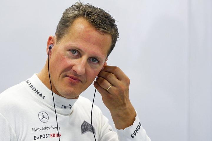 Rennfahrer Michael Schumacher an einem Renntag im Jahr 2012.