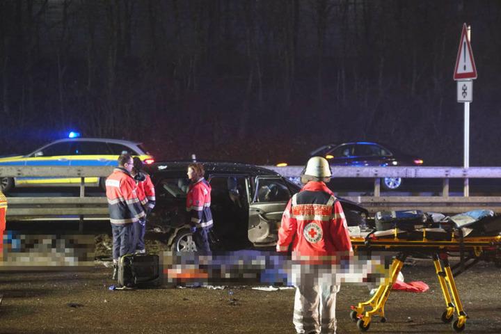 Zwei Menschen verloren ihr Leben: Ein 39-Jähriger Vater und sein zehnjähriger Sohn.