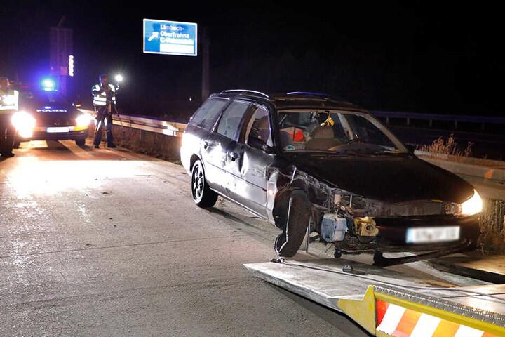 Bei dem Unfall wurden mehrere Autos demoliert.