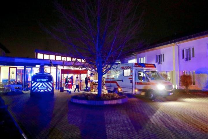 Bis nach Mitternacht musste das Johanniter-Seniorenheim evakuiert werden.