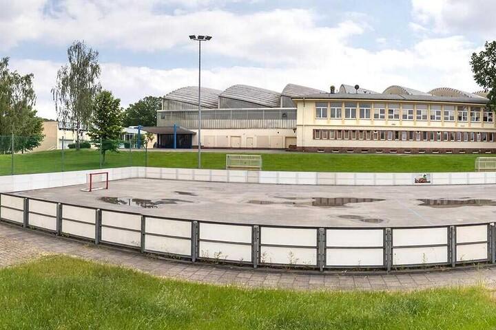 Zuletzt war im Gespräch, eine Schwimmhalle neben die Eissporthalle im Küchwald zu bauen.