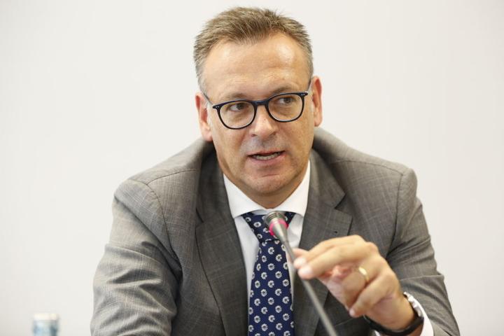 Ist als Chef des Stadtplanungsamtes für die Umplanung mit zuständig. Stefan Szuggat (49).
