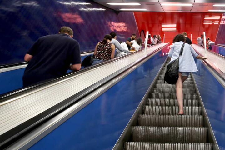 Sechs von 28 Rolltreppen an der U-Bahn-Station am Marienplatz sind bereits seit März mit der Technik ausgestattet.