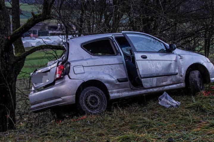 Die Hintergründe des Crashs sind noch unklar. War ein zweites Auto beteiligt?