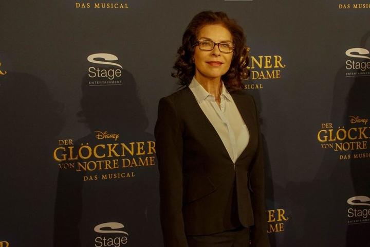 Auch Schauspielerin Gudrun Landgrebe wollte sich die Premiere nicht entgehen lassen.