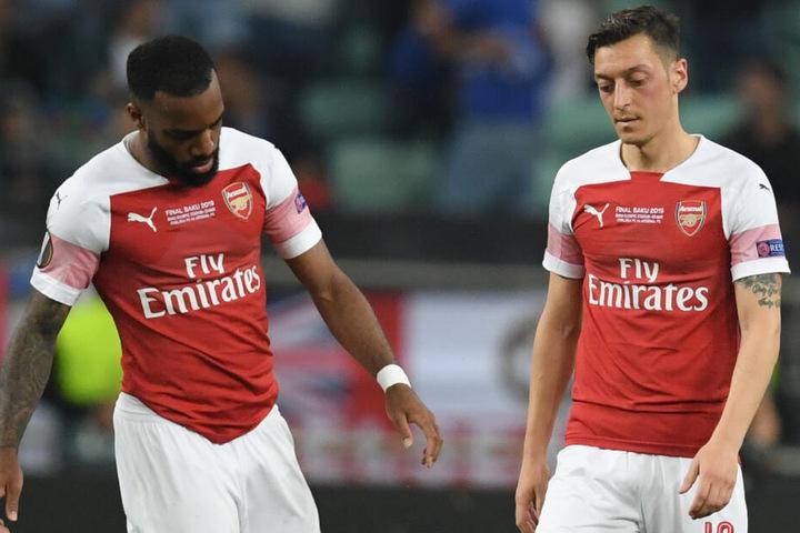 Mesut Özil und Alexandre Lacazette (l). von Arsenal am 29.05.2019 in Baku beim Europa League Finale gegen FC Chelsea.
