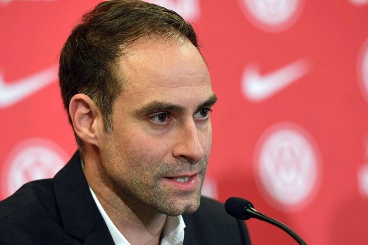"""Red-Bull-Fußballchef Oliver Mintzlaff dementierte, die Meldung der """"Sun""""."""