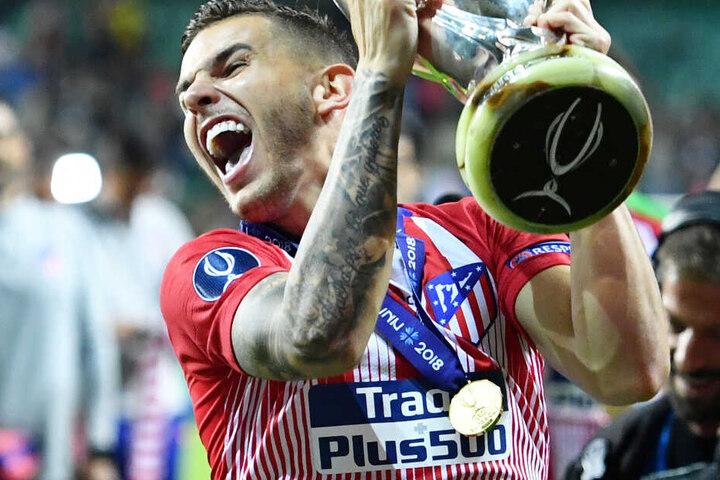 Der FC Bayern München will Lucas Hernández offenbar lange an sich binden.