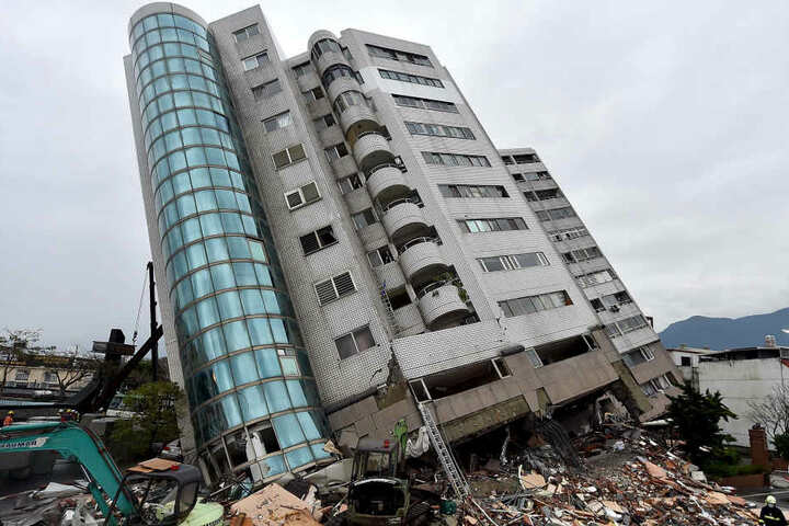 Das Erdbeben richtete in Taiwan große Schäden an. Insgesamt gab es 15 Tote.