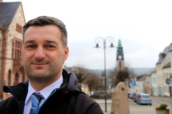 Seine Stadt schrumpft vor sich hin: Adorfs Bürgermeister Rico Schmidt (41, SPD). Den Trend gilt es zu stoppen.