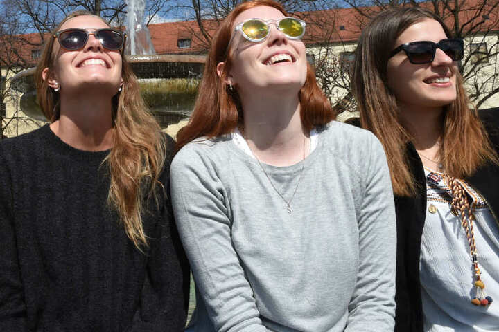 Am Wochenende heißt es in München und weiteren Teilen Bayerns: Sonne genießen! (Symbolbild)
