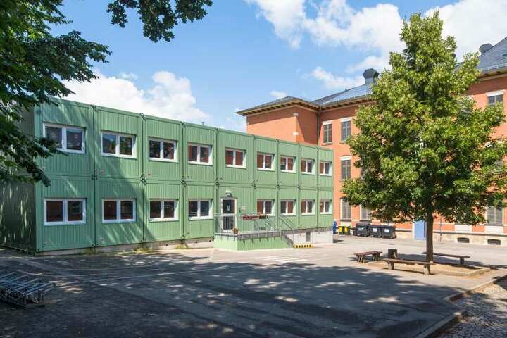 Im Mai kam an der Grundschule Altendorf der ätzend wirkende Unkrautvernichter Finalsan zum Einsatz.