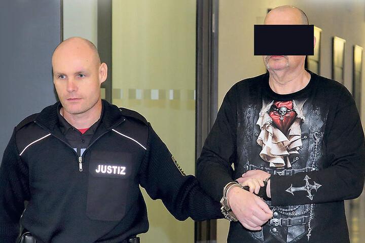 Messerstecher Dietmar H. (64) wurde zu siebeneinhalb Jahren Knast  verurteilt.