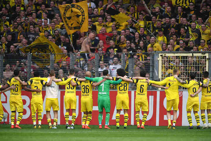 Nach dem Spiel gegen die Schalker will Borussia Dortmund gemeinsam mit den Fans einen Sieg feiern.