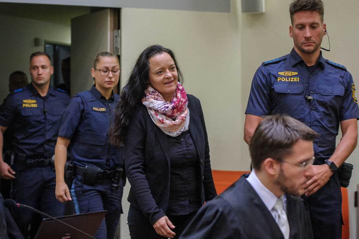 Mit einem Lächeln war Beate Zschäpe am Morgen in den Gerichtssaal getreten.