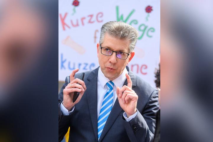Hat den Ernst der Lage erkannt: Sportbürgermeister Ralph Burghart (49, CDU).