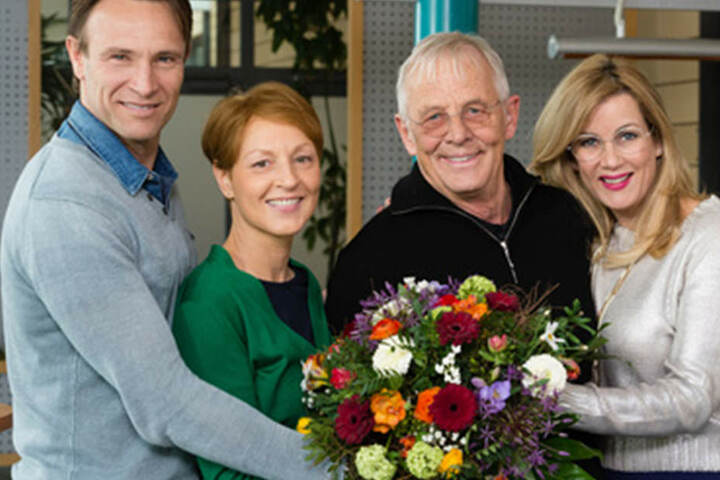 In der Sachsenklinik spielt Surholt (ganz rechts) die gefürchtete Verwaltungsdirektorin Sarah Marquardt.