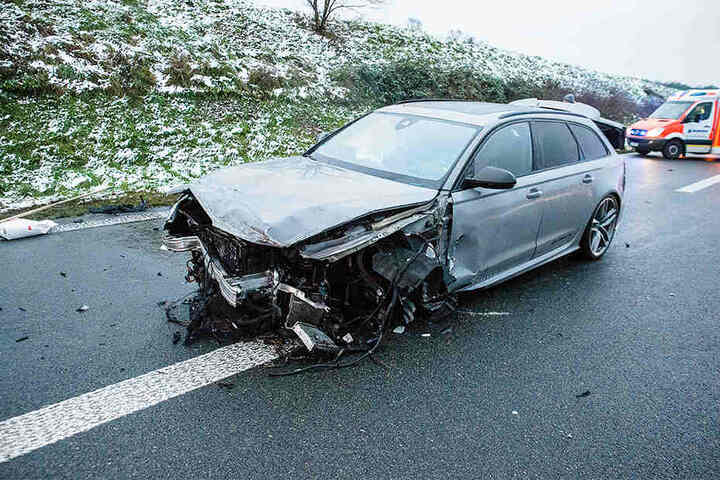 Insgesamt waren vier Autos an dem schweren Unfall beteiligt.