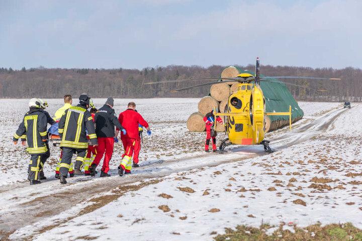 Mit einem Rettungshubschrauber musste die Frau in ein Krankenhaus gebracht werden.