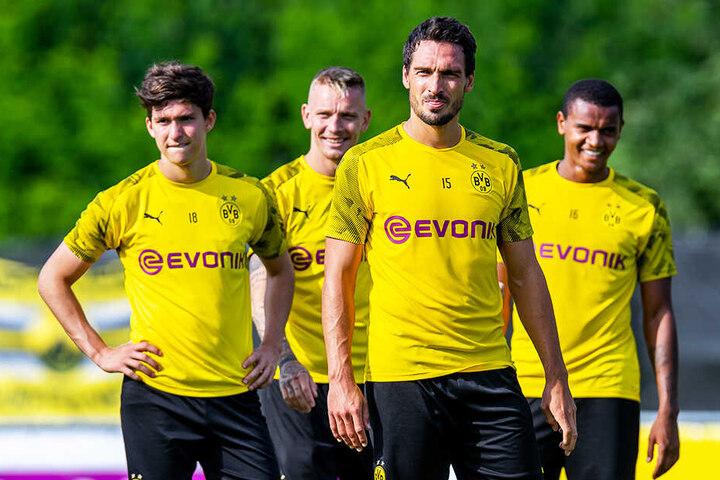 Mats Hummels im Trainingslager inBad Ragaz mit seinen Kollegen Leonardo Balerdi, Marius Wolf und Manuel Akanji.