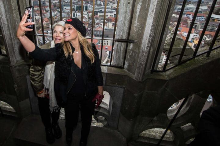 Eine Besucherin im Jahr 2017 war Pop-Sängerin Anastacia (rechts), hier zusammen mit ihrer Schwester Shawn.