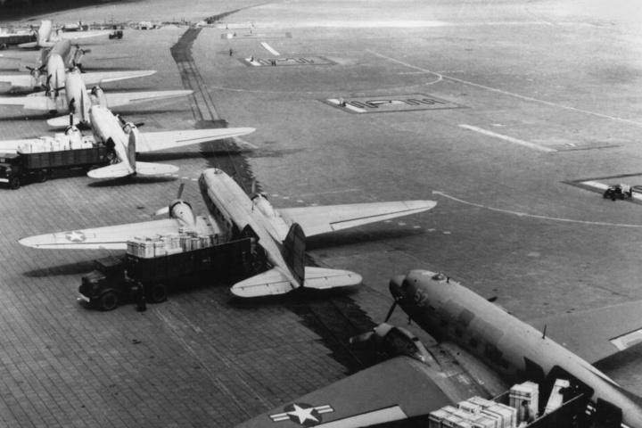 Eine großangelegte Rettungsaktion für Berlin vor 70 Jahren: Die Luftbrücke feiert ihr Jubiläum!