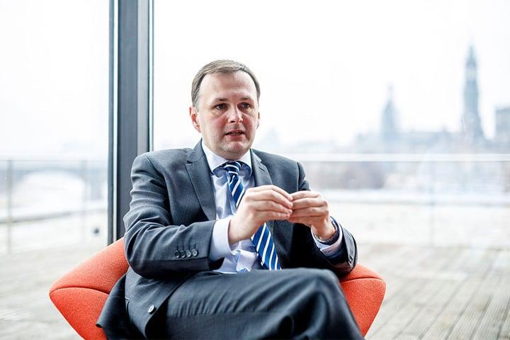 e7d9c3999ab2c7 Der Linke-Abgeordnete André Schollbach (39) kritisiert Peek   Cloppenburg  für seine Werbung