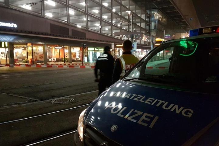 Am Abend ging telefonisch eine Bombendrohung bei der McDonald's-Filiale an der Zenti ein.