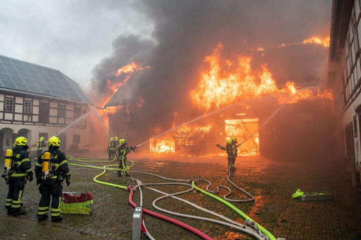 Die Scheune in Erlau stand komplett in Flammen.