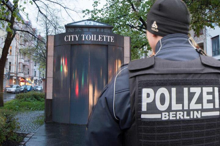 Auf einer öffentlichen Toilette soll das Mädchen missbraucht worden sein. (Symbolbild)