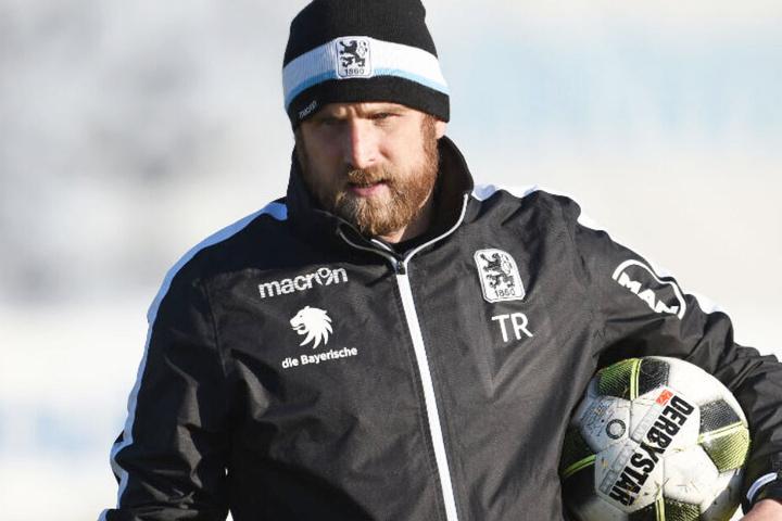 Löwen-Trainer Daniel Bierofka war vor allem mit der Anfangsphase nicht zufrieden.