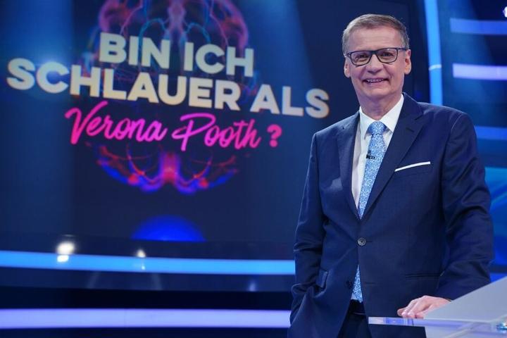 """Günther Jauch moderierte die Liveshow """"Bin ich schlauer als Verona Pooth?""""."""