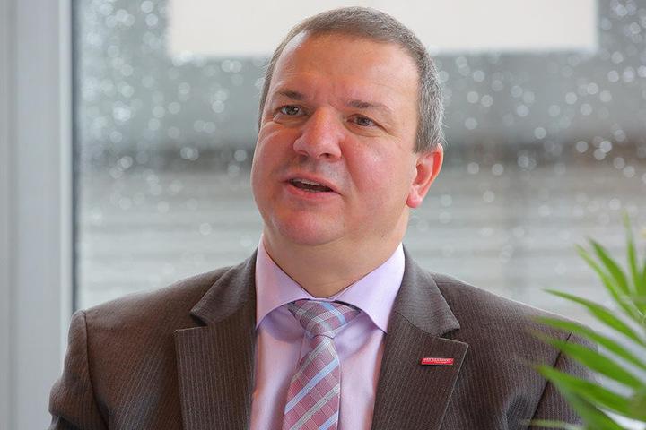 Roland Ermer (53): Der Chef der sächsischen Handwerkerschaft ist selbst Meister, führt eine Bäckerei mit vier weiteren Filialen in der Lausitz.