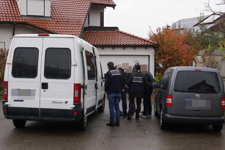 Das Opfer kam ins Krankenhaus, ist dort mittlerweile jedoch entlassen worden.