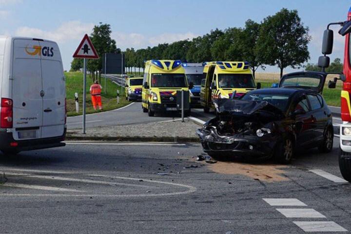 An den Fahrzeugen entstand ein Sachschaden von insgesamt 8000 Euro.