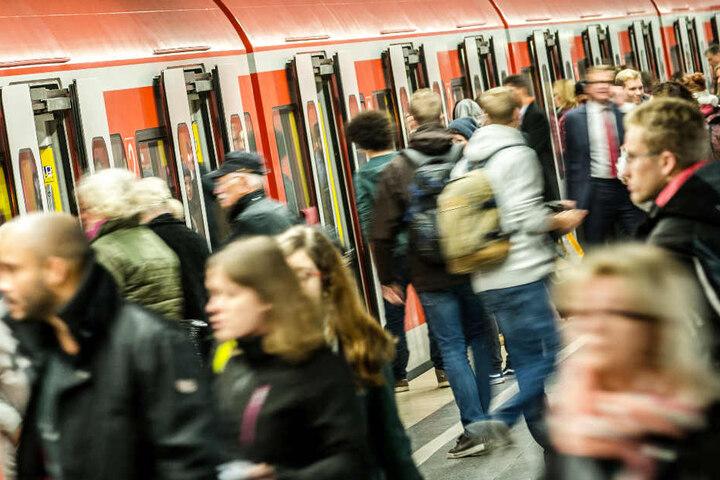 Passagiere auf der Stammstrecke in München müssen jede Menge Geduld mitbringen. (Archivbild)
