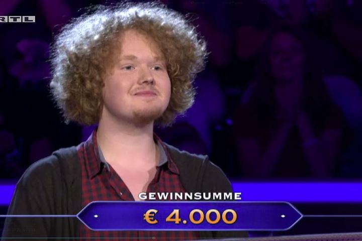 Über den 4.000 Euro Gewinn war der Bielefelder sichtlich erfreut.