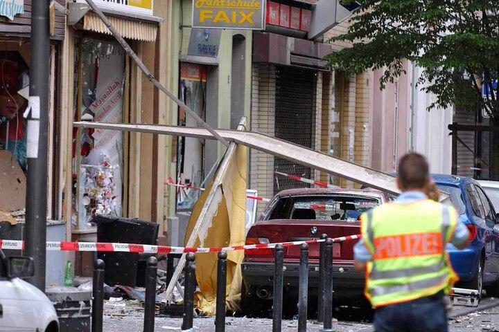 Bei einem Nagelbomben-Attentat am 9. Juni auf der Keupstraße in Köln-Mülheim waren 22 Menschen verletzt worden (Archivbild).