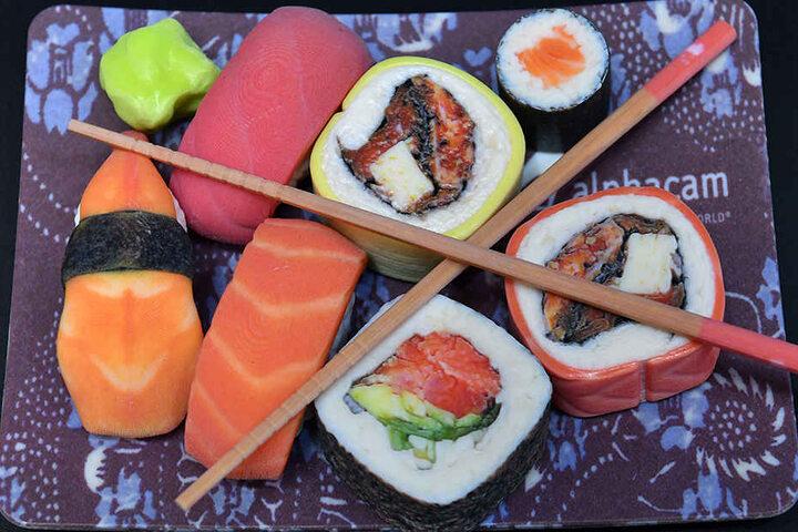 """Dieses Sushi wurde auf der """"Rapid.Tech"""" vor Livepublikum hergestellt."""