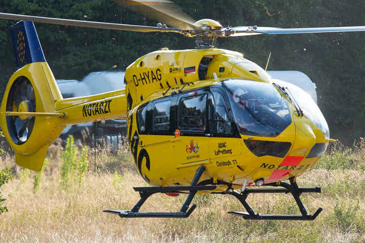 Ein Rettungshubschrauber brachte den 60-Jährigen in die Uniklinik Frankfurt.