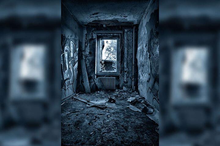 Zerschlagene Fenster, beschmierte Wände: Leider werden verlassene Gebäude immer wieder zu Schauplätzen von Vandalismus.