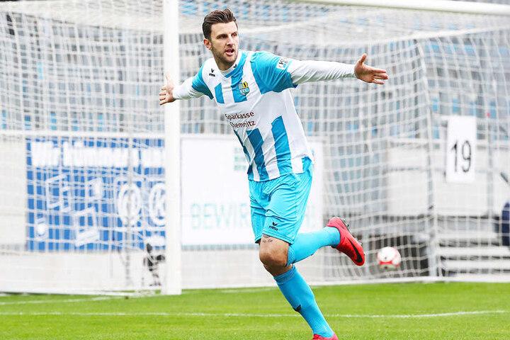 Dejan Bozic hat sich mit 21 Toren aus der Saison verabschiedet.