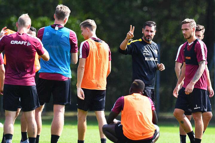 Cristian Fiel beginnt heute Nachmittag mit seinen Jungs die Vorbereitung auf die Partie am Sonntag beim VfL Bochum.