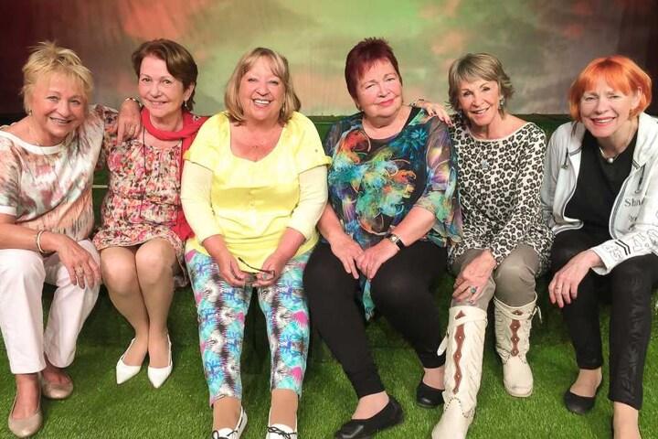 v.li.: Heidi Weigelt, Renate Blume,Uta Schorn, Walfriede Schmitt, Angelika Mann, Viktoria Brams.