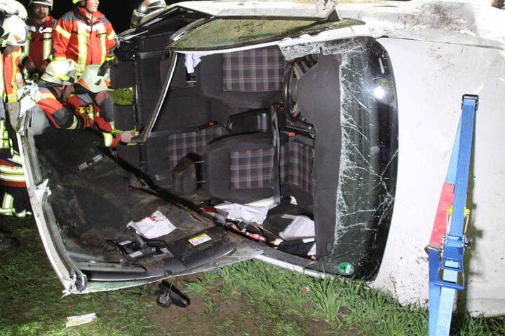 Ein 22 Jahre alter Autofahrer wurde bei einem Unfall auf der B470 schwer verletzt.