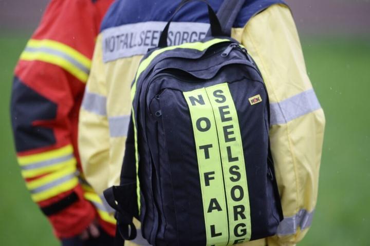 Notfallseelsorger waren an der Unfallstelle im Einsatz. (Symbolbild)