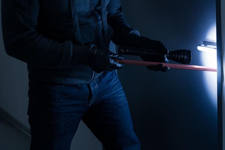 In Lichtenstein sind Einbrecher in mehrere Keller eingestiegen. (Symbolbild)