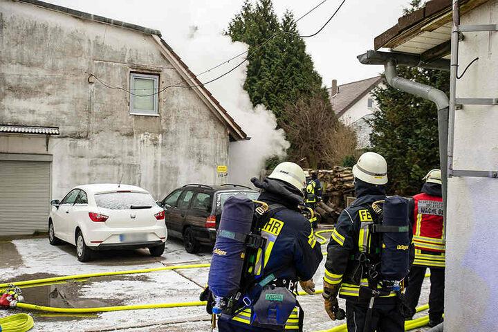 Die Feuerwehr musste die Wohnung abstützen. Sie droht einzustürzen.