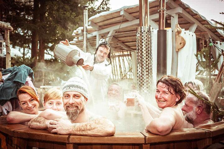 Badespaß unter freiem Himmel - Genussurlaub im Winterdorf.