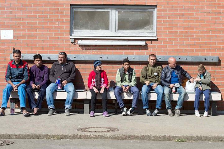 Asylbewerber in einer Erstaufnahme: Ankerzentren sind heftig umstritten. Viele Bundesländer wollen sich nicht am Pilotprojekt beteiligen.